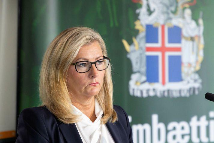 Embætti landlæknis styður bann við spilakössum samkvæmt umsögn þeirra við frumvarp um bann við spilakössum.