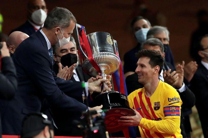 Messi átti stóran þátt í að Börsungar lyftu spænska bikarnum um helgina.
