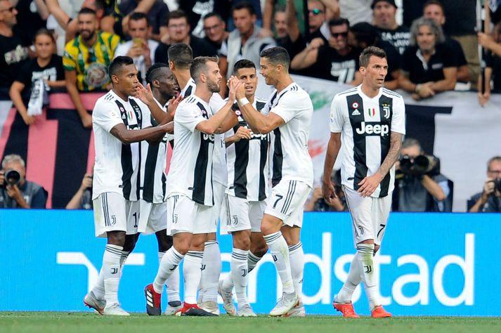 Liðsmenn Juventus fagna.