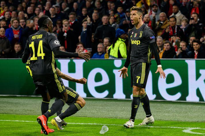 Ronaldo fagnar sigurmarkinu í gær.