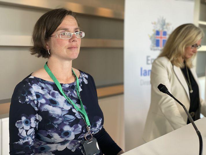 Kamilla Sigríður Jósefsdóttir staðgengill sóttvarnalæknis á upplýsingafundi almannavarna.