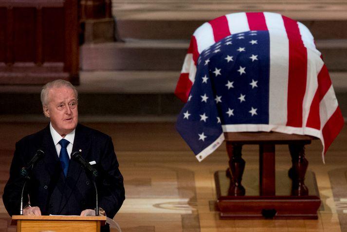 Brian Mulroney fyrrverandi forsætisráðherra Kanada við útför George H. W. Bush í dag.