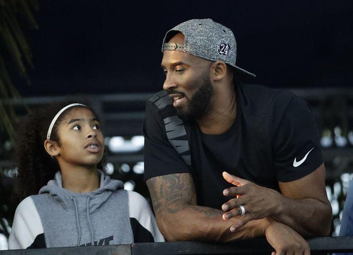 Kobe Bryant og dóttir hans Gianna.