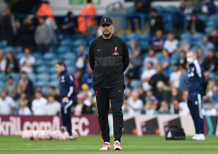 Jürgen Klopp segist ekki hafa áhyggjur af varnarleik Liverpool þrátt fyrir það að liðið hafi fengið þrjú mörk á sig gegn nýliðum Brentford um helgina.