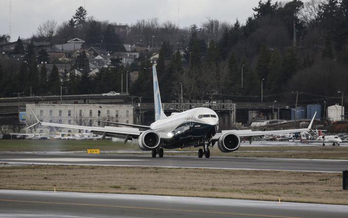 Boeing 737 MAX vél hefur sig til lofts.