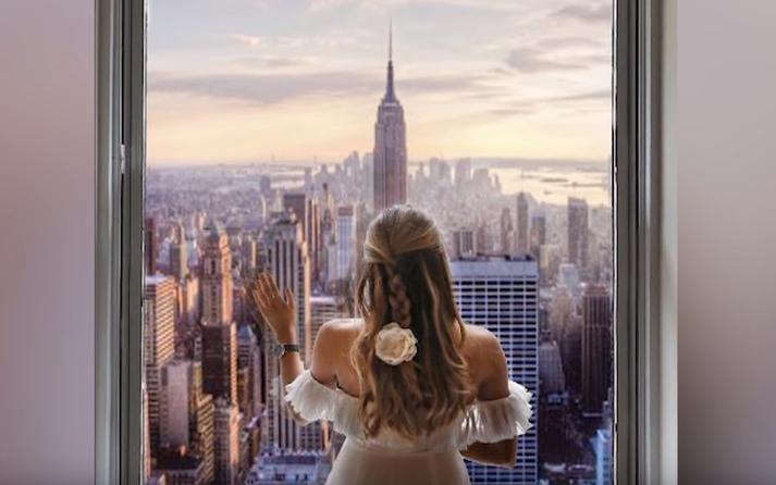 Þarna vantar heila byggingu á myndina en sú bygging er One World Trade Center. Sú bygging var tekin í notkun 2014 en þessi mynd var á Instagram árið 2017.