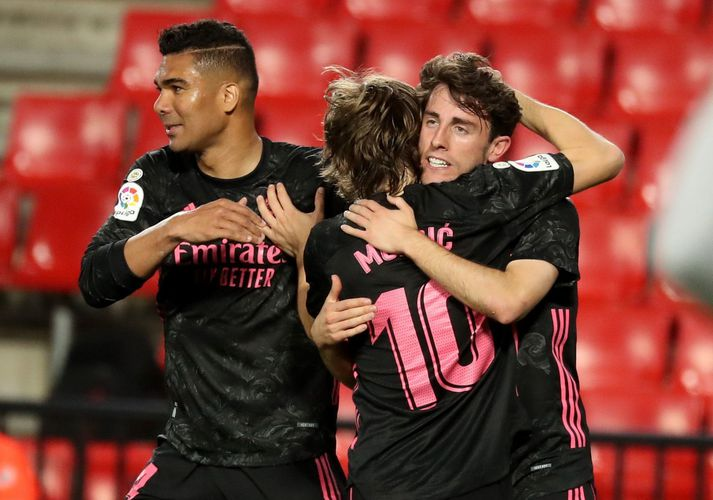 Real Madrid heldur enn í vonina um stela titlinum af Atlético.