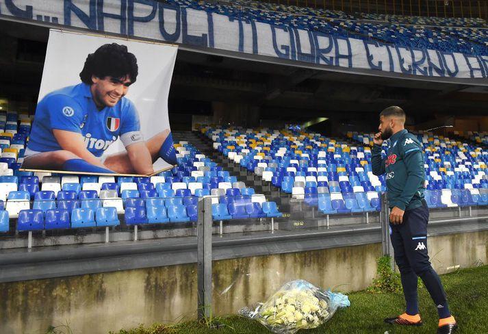 Lorenzo Insigne minntist Diegos Maradona fyrir 4-0 sigurinn á Roma á dögunum. Nú hefur verið völlurinn verið endurskírður í höfuðið á Maradona