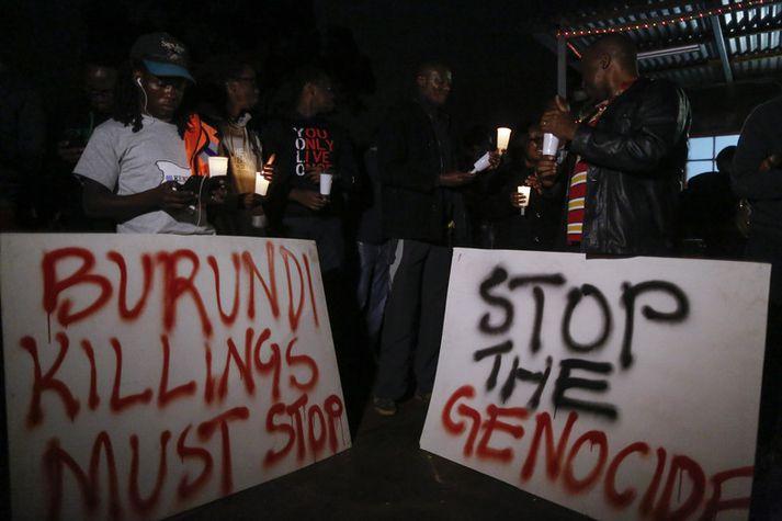 Frá mótmælum gegn ofbeldisverkum í Búrúndí sem voru haldin í Kenía árið 2015.