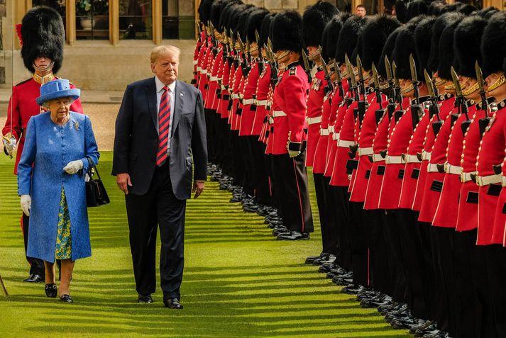 Trump ásamt Elísabetu Englandsdrottningu.