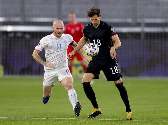 Íslendingar halda áfram að falla niður styrkleikalista FIFA.