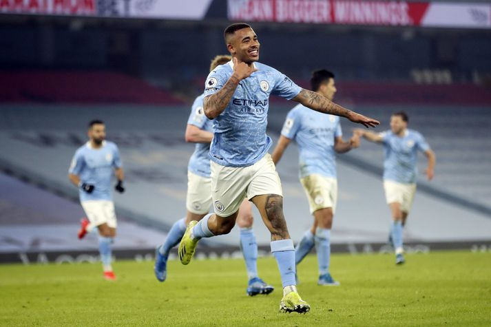 Gabriel Jesus skoraði tvívegis í sigri Manchester City í kvöld.