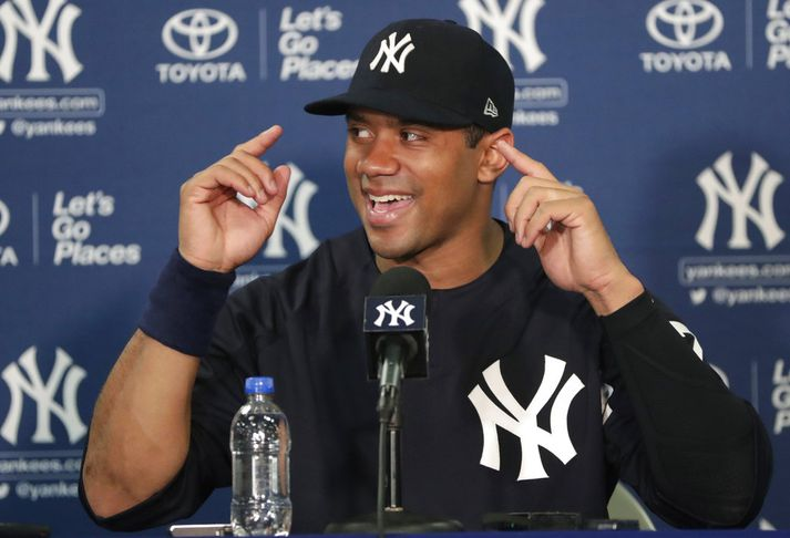 Russ elskar að vera í búningi Yankees.