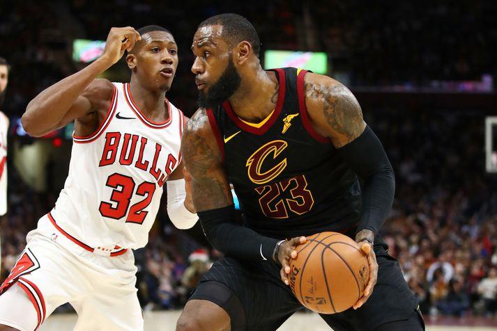 LeBron James fór mikinn gegn Chicago í nótt.