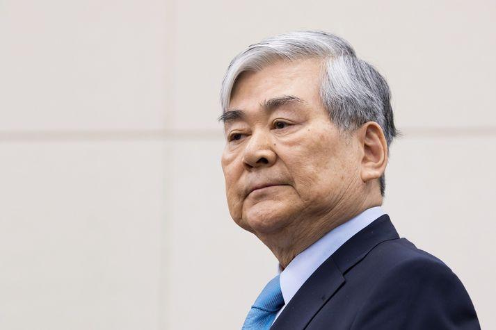 Cho Yang-ho lætur eftir sig eiginkonu, tvær dætur og son.