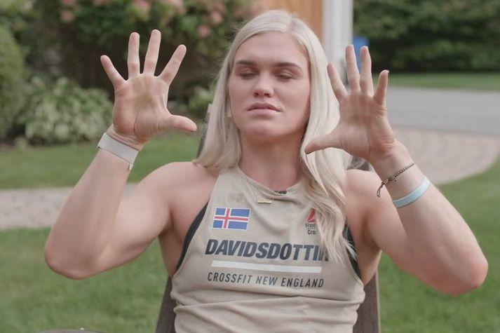 Katrín Tanja Davíðsdóttir að lýsa árinu sínu í viðtalinu.