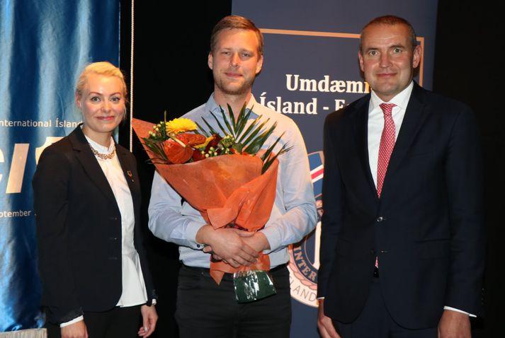 Fanney Þórisdóttir, landsforseti JCI, Pétur Halldórsson og Guðni Th.