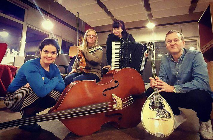 Alexandra, Sigrún Kristbjörg, Margrét og Ásgeir skipa hljómsveitina.
