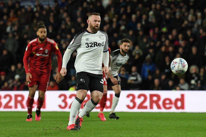 Wayne Rooney skoraði úr þessari skemmtilegu vítaspyrnu.