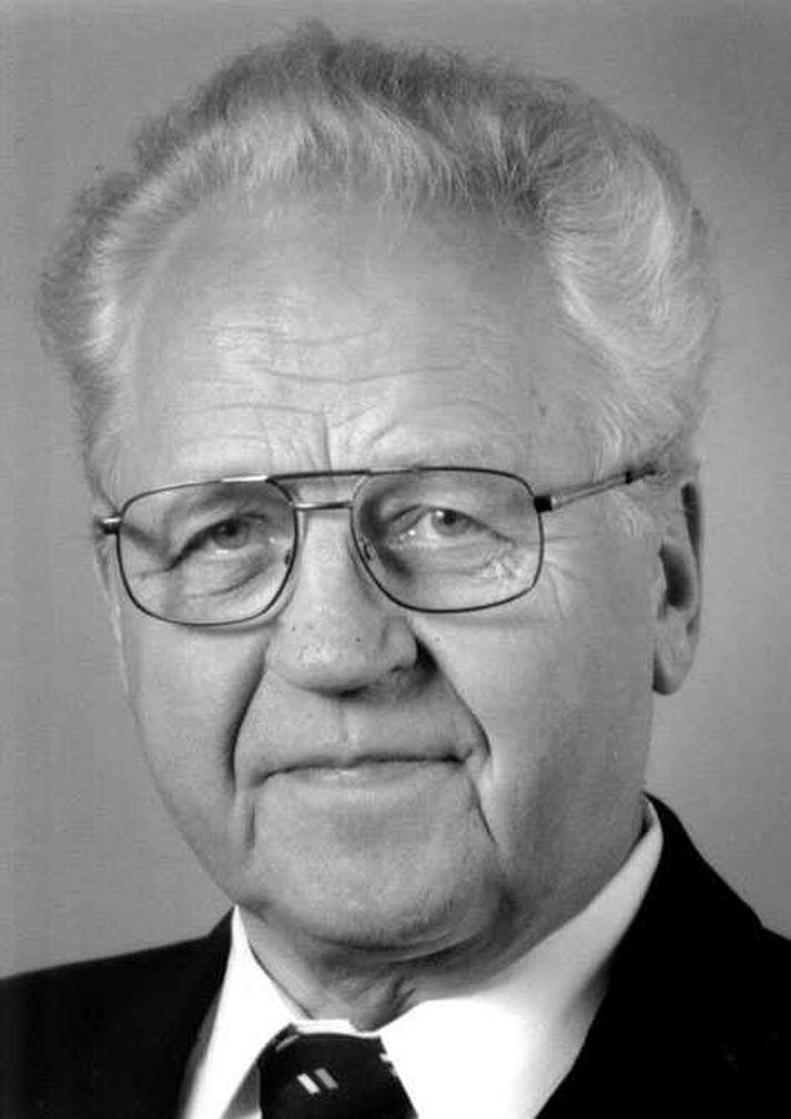 Sverrir Hermannsson var 88 ára.