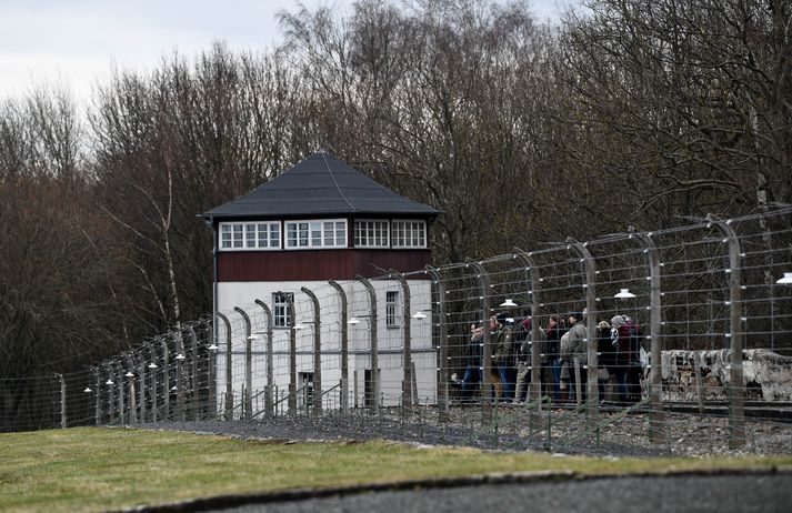 Buchenwald-búðirnar náðu yfir afar stórt og skóglent svæði, sem heimamenn nota nú til íþróttaiðkunar í Covid-19 faraldrinum.
