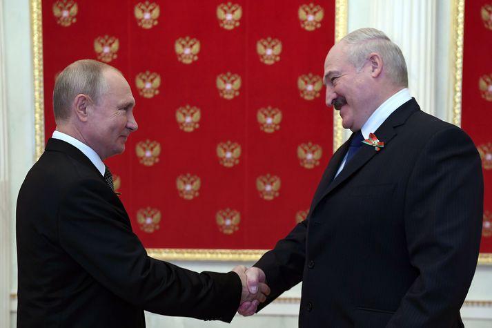 Lúkasjenka á hauk í horni í Kreml þar sem Vladímír Pútín, forseti Rússlands er.