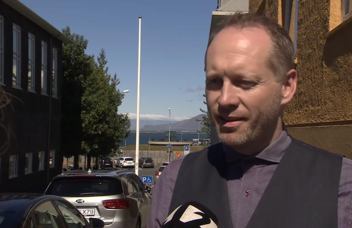 Guðmundur Ingi Guðbrandsson, umhverfisráðherra, er hæstánægður með skráningu Vatnajökulsþjóðgarðs hjá UNESCO.