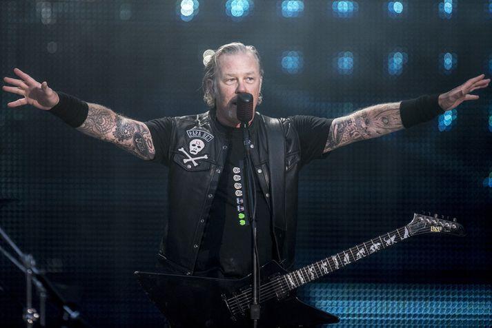 Hetfield er 56 ára gamall og hefur lengi glímt við áfengissýki og fíkn.