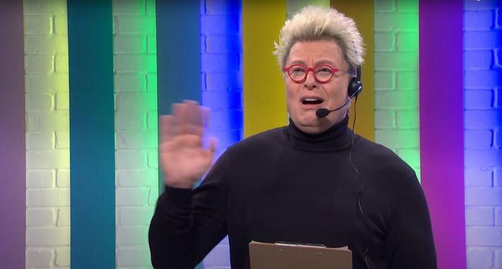 Grínið bar þess merki að höfundar þess hefðu orðið fyrir áhrifum af umfjöllun um Ísland í tengslum við Eurovision-mynd Will Ferrell.
