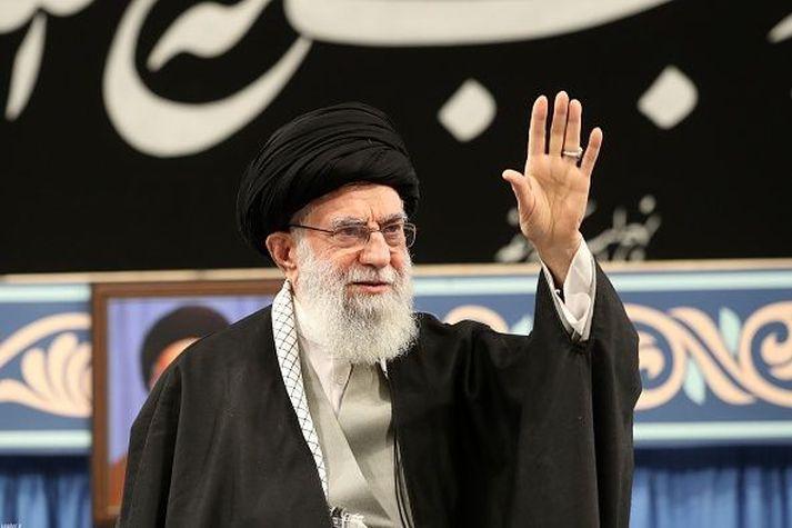 Ayatollah Ali Khamenei leiðtogi Íran.