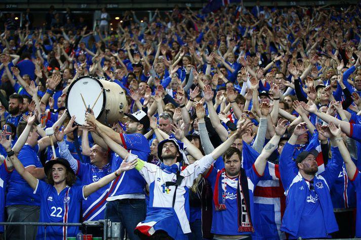 Stuðningsmenn landsliðsins hafa verið áberandi á leikjum Íslands og settu sterkan og eftirminnilegan svip á EM í Frakklandi.