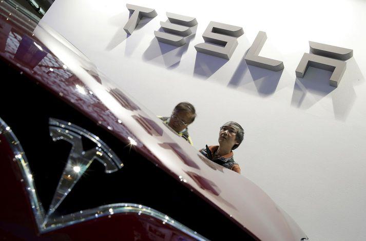 Tesla eignaðist SolarCity fyrir tveimur árum. Fyrirtækið setur upp sólarsellur fyrir heimili.
