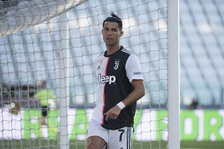 Cristiano Ronaldo og félagar mæta Zlatan og AC Milan í stórveldaslag í ítalska boltanum.