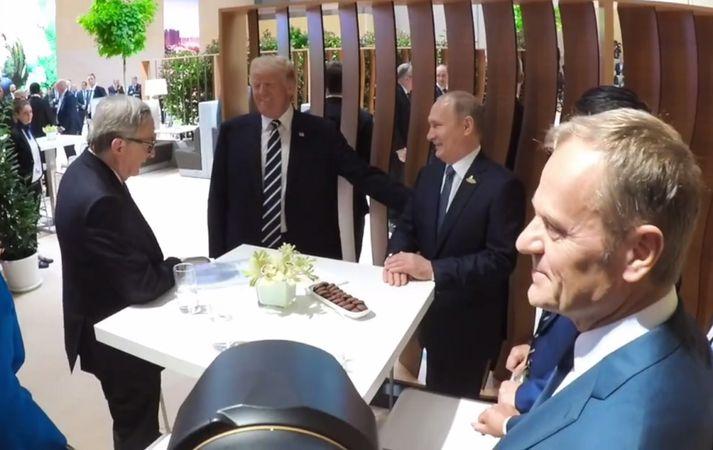 Trump og Putin ræða við Jean-Claude Juncker, forseta framkvæmdastjórnar Evrópusambandsins.