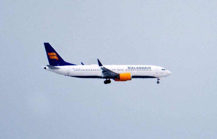 Áætlað hefur verið að kostnaður Boeing við kyrrsetningu 737 MAX 8 vélanna á heimsvísu nemi milljarði dala. Fyrirtækið kunni að þurfa að greiða mismun á rekstrarkostnaði og leigu nýrra véla.