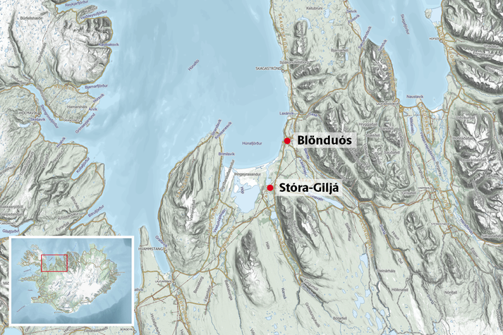 Áreksturinn varð á hringveginum við Stóru-Giljá á þriðja tímanum.