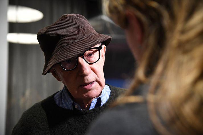 Woody Allen hefur ítrekað hafnað ásökunum um að hafa brotið gegn dóttur sinni.
