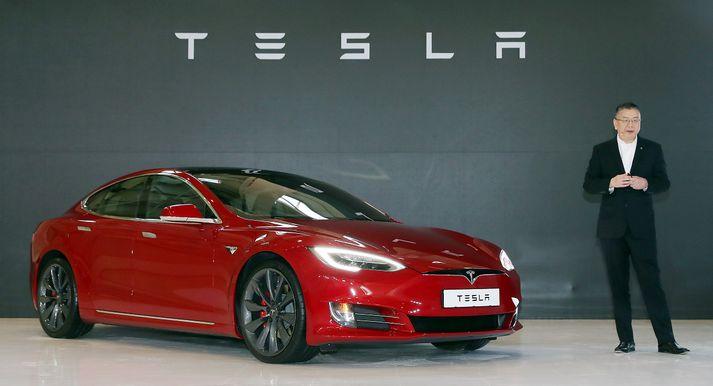 Model 3 var auglýst sem ódýrari fólksbíll en Tesla hafði áður framleitt. Enn sem komið er hefur fyrirtækið aðeins framleitt dýrari útgáfu af bílnum.