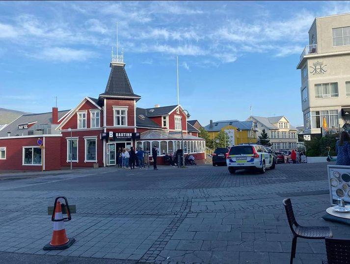 Slysið varð í miðbæ Akureyrar.
