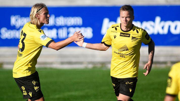 Aron Sigurðarson fagnar marki með Start.