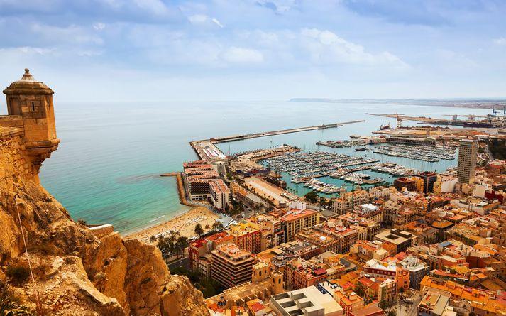 Frá Alicante, þar sem Íslendingarnir smituðust í fríi í maí.
