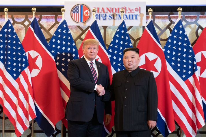 Donald Trump og Kim Jong-un á fundi sínum í Víetnam fyrr í mánuðinum.
