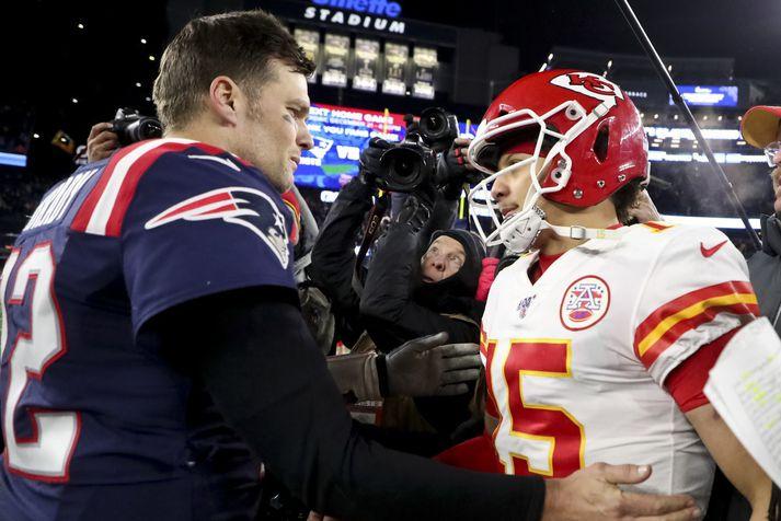 Tom Brady og Patrick Mahomes eftir síðasta leik þeirra en þá var Brady leikmaður New England Patriots.