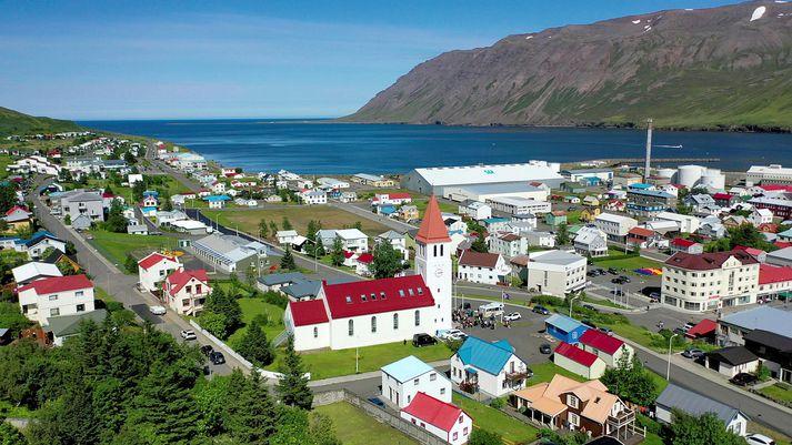 Erla hefur búið á Siglufirði í rúm fimmtíu ár og hefur upplifað marga jarðskjálfta á þeim tíma.