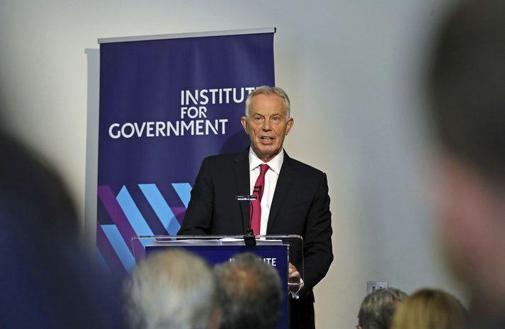 Tony Blair á blaðamannafundi í morgun.