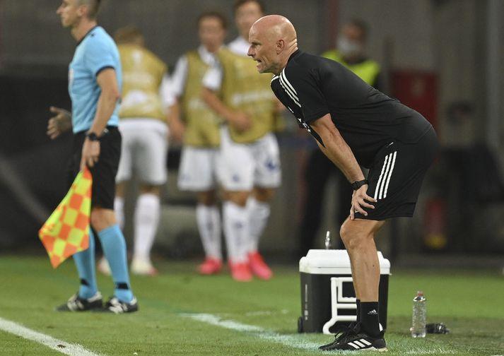 Ståle lifir sig inn í leikinn gegn Manchester United í átta liða úrslitum Evrópudeildarinnar.
