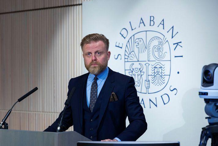 Ásgeir var skipaður Seðlabankastjóri 2019. Hann og Helga hafa verið par síðan árið þar áður.