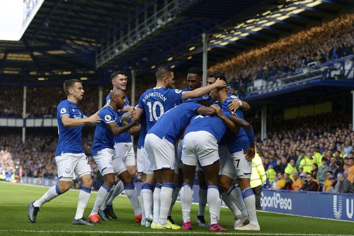 Everton hefur leyst leikmann í aðalliði sínu frá störfum á meðan málið er til rannsóknar.