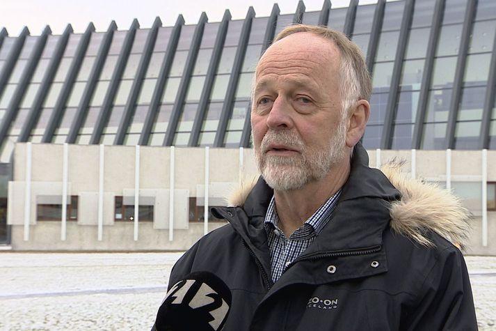 Páll Einarsson, prófessor í jarðeðlisfræði.