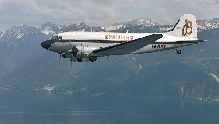 Douglas DC 3-vélin hóf hnattflugið frá Genf í Sviss í marsmánuði.